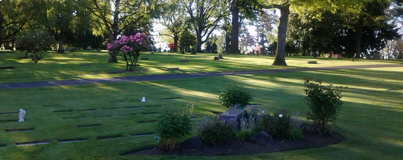 Crescent Grove Mausoleum & Cremation Services  Tigard OR   Casket Burials